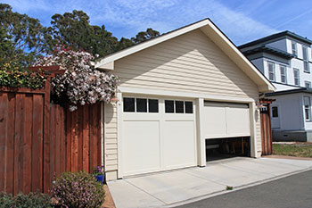SOS Garage Doors Bellevue, WA 206-569-4429